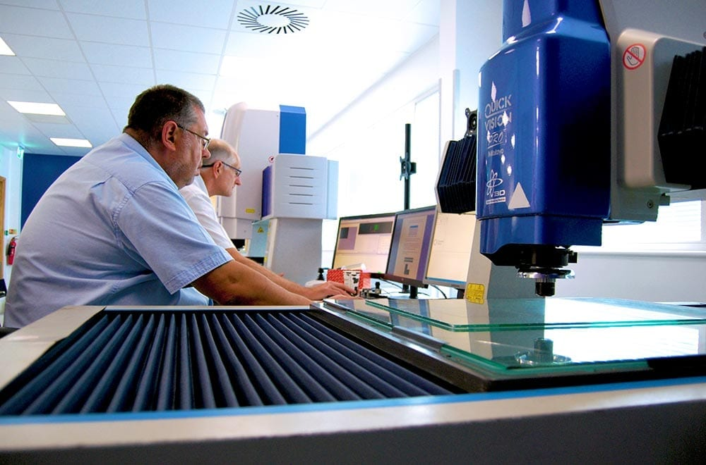 Chemical etching quality centre